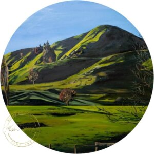 Original oil painting of a Green Farmland painting of Waikato Hills by Artist Kirsten McIntosh of Kirsten McIntosh Art